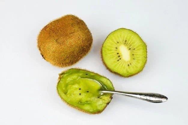 kiwi a la cuilliere