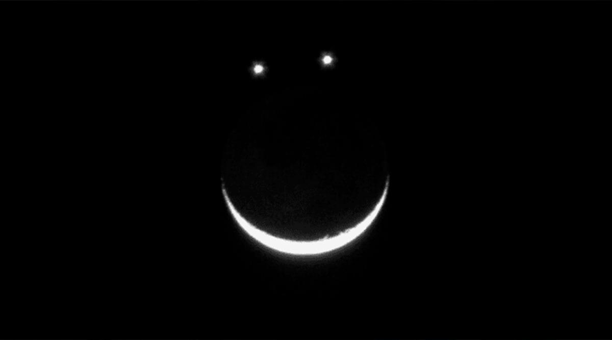 la-lune-venus-et-jupiter-vont-saligner-pour-former-un-jolie-sourire-pendant-le-mois-de-mai