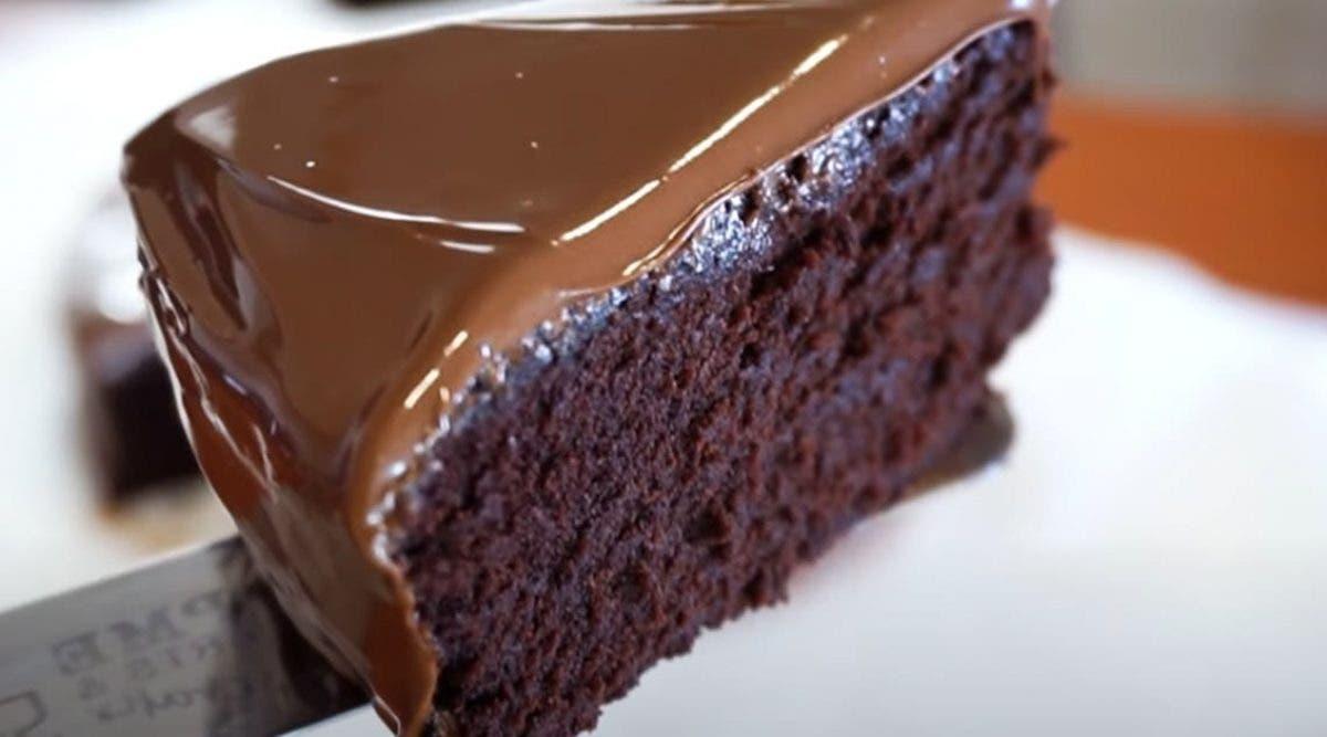 la-recette-du-gateau-au-chocolat-a-50-calories-qui-cartonne-en-ce-moment-sur-facebook