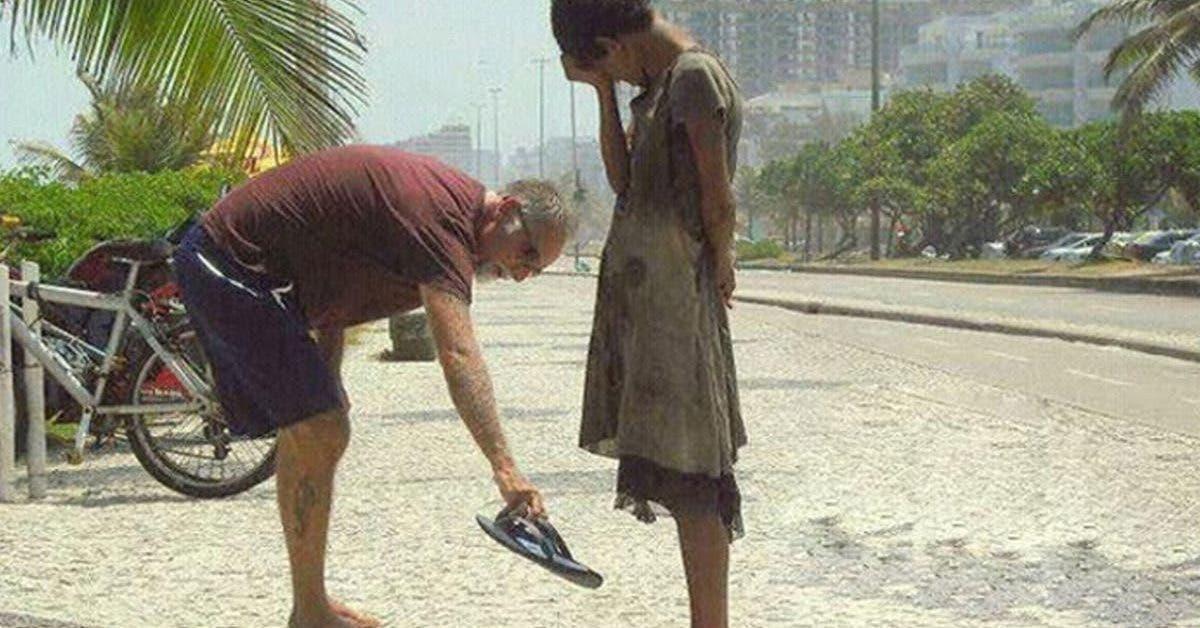 le-bonheur-cest-donner-et-aider-pas-acheter-et-avoir-le-materialisme-ne-mene-a-rien