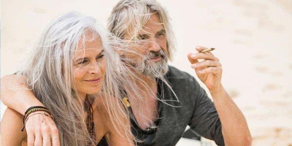 le-cannabis-est-le-secret-dune-relation-heureuse-de-meilleurs-rapports-sexuels-et-de-moins-de-disputes-affirme-une-etude
