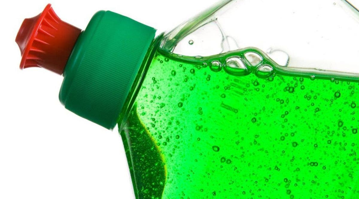 le-liquide-vaisselle-pourrait-proteger-contre-le-coronavirus-selon-des-medecins
