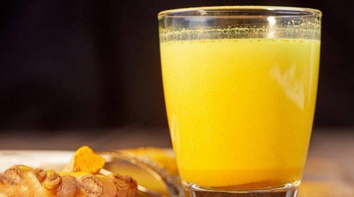 le thé glacé au gingembre et au curcuma fait maison bon pour votre cœur