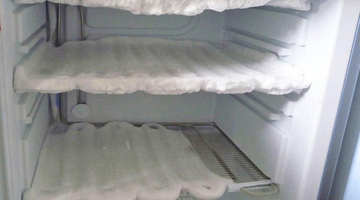 les-astuces-pour-nettoyer-facilement-le-refrigerateur-et-le-congelateur