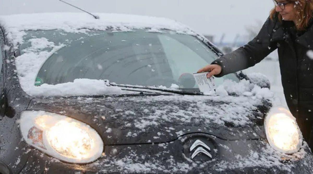 les-experts-avertissent-les-automobilistes-de-ne-pas-faire-tourner-le-moteur-pour-le--rechauffer