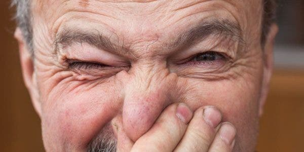 les-personnes-de-plus-de-40-ans-ont-une-odeur-speciale-et-nous-navons-aucun-moyen-de-leviter