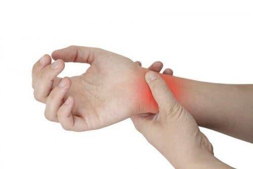 l'inflammation des pieds et des mains que vous devez connaitre
