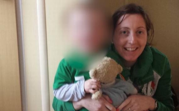 Cette maman et son bébé décèdent tous les deux à l'hôpital pendant un allaitement