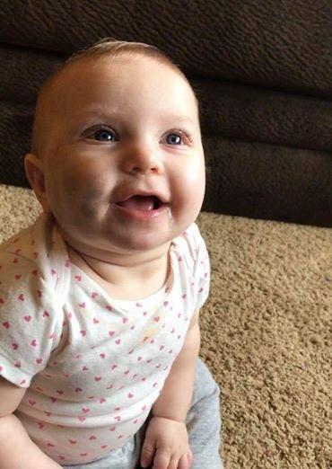 Une maman découvre son bébé dans un mauvais état