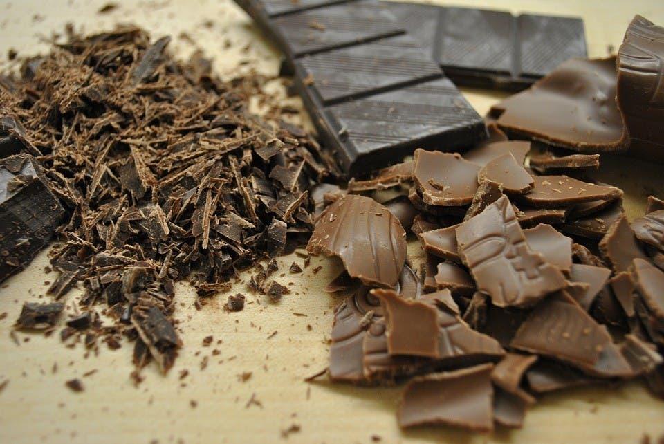 manger du gateau au chocolat