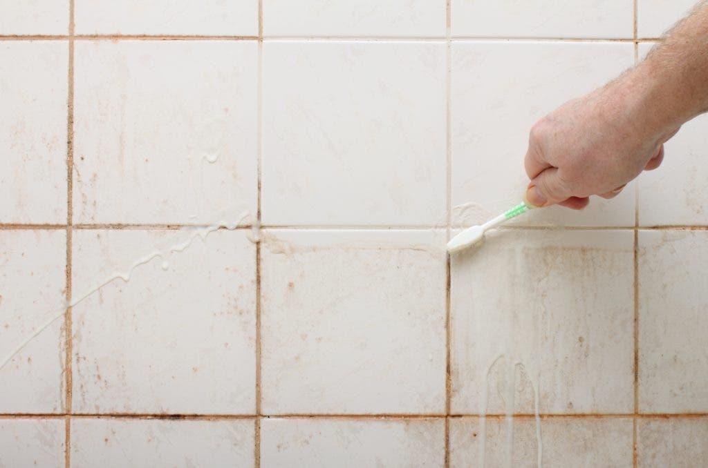 moisissure salle de bain 1024x678 1