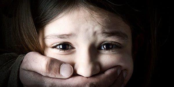 ne-forcez-pas-vos-enfants-a-enlacer-ou-a-embrasser-quelquun-sils-ne-le-veulent-pas
