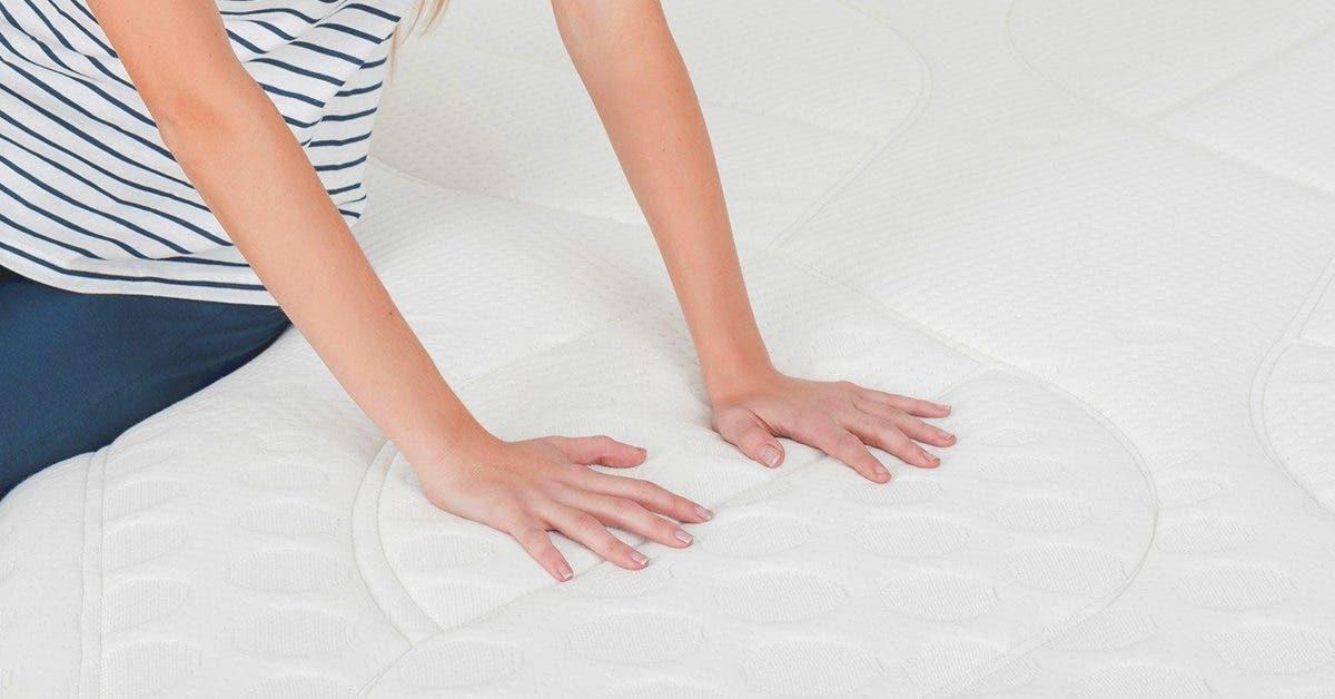 3 astuces maison pour nettoyer à sec et désinfecter un matelas