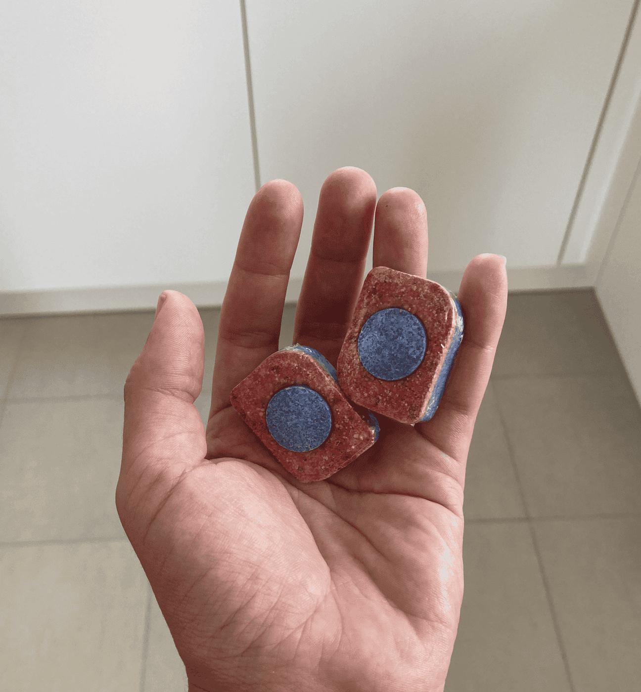 tabletë për larjen e enëve