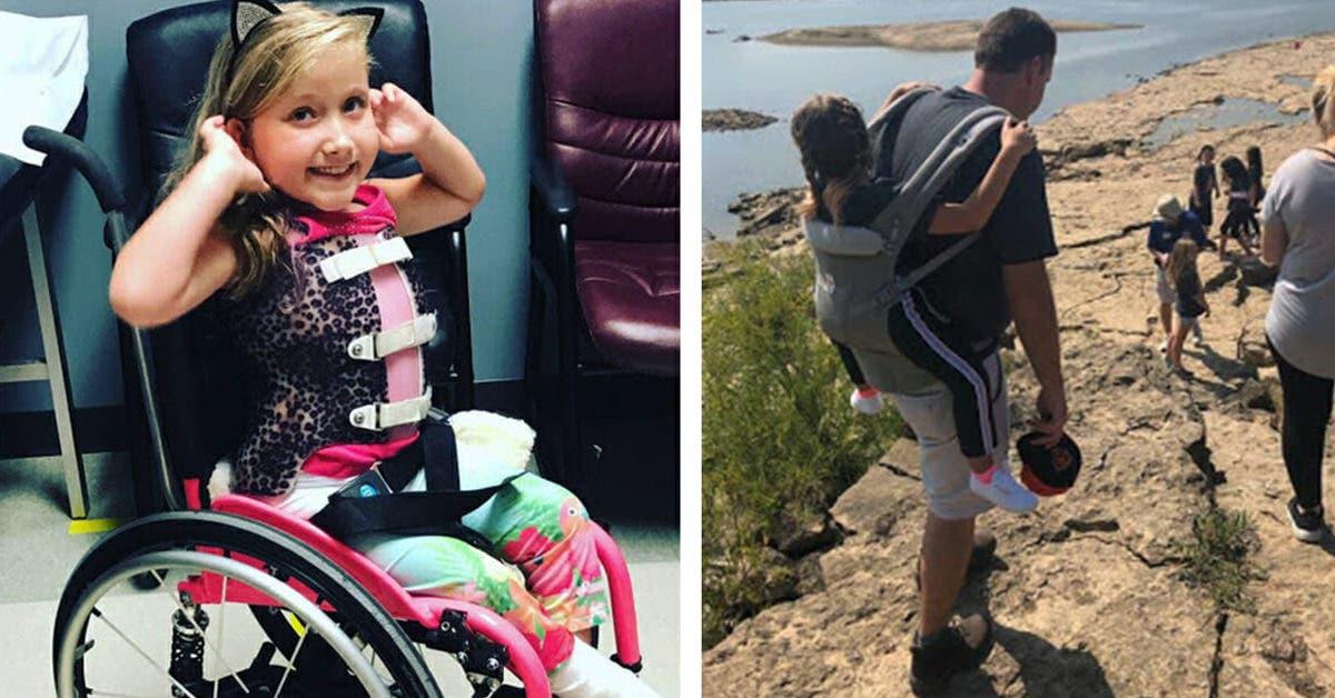 Une petite fille en fauteuil roulant ne peut pas partir en sortie scolaire, jusqu'à ce qu'un enseignant décide de la porter