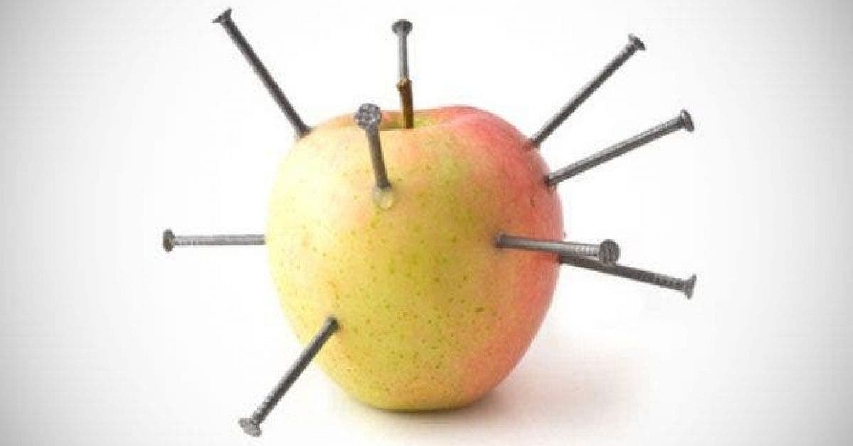 plantez des clous dans une pomme pour guerir dune maladie grave 1