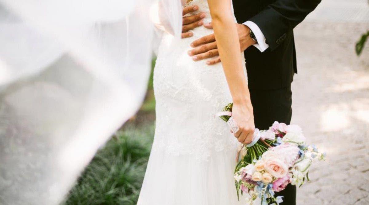 plus-de-100-personnes-ont-ete-infectees-par-le-nouveau-coronavirus-apres-le-mariage-et-les-funerailles-du-marie