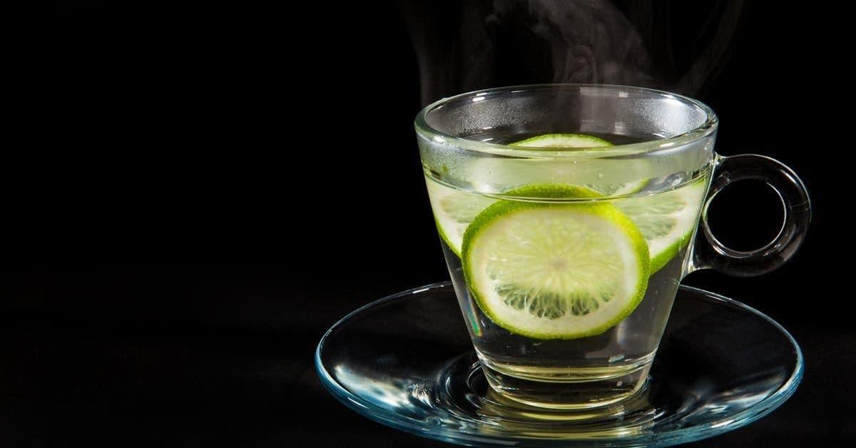pourquoi-boire-de-leau-citronnee-tiede-la-nuit