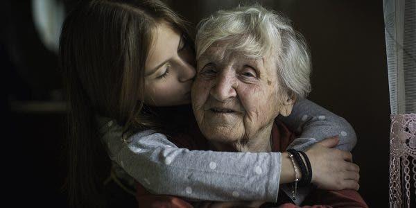 pourquoi-les-grands-meres-sont-indispensables-dans-la-vie-des-petits-enfants