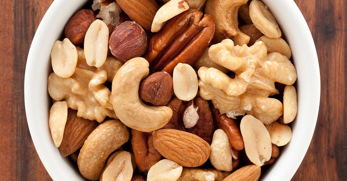 pourquoi nous devrions manger des fruits secs 1