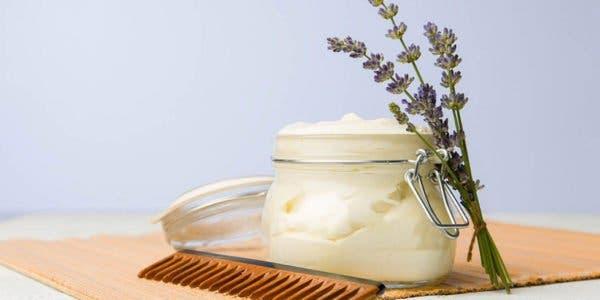preparez-un-conditionneur-100-naturel-pour-adoucir-vos-cheveux