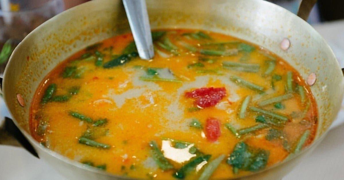 recette cette delicieuse soupe a loignon au gingembre et a lail soigne la grippe le rhume les exces de mucus et les sinusites 1 1