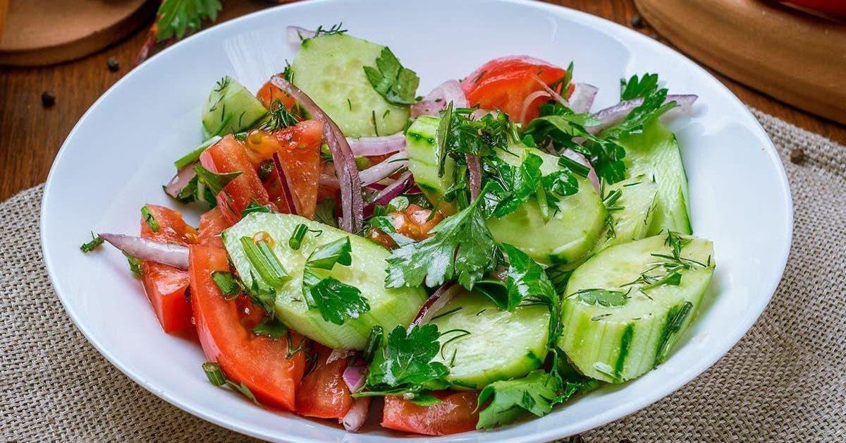recette la salade fraiche de tomate et de concombre marine 1