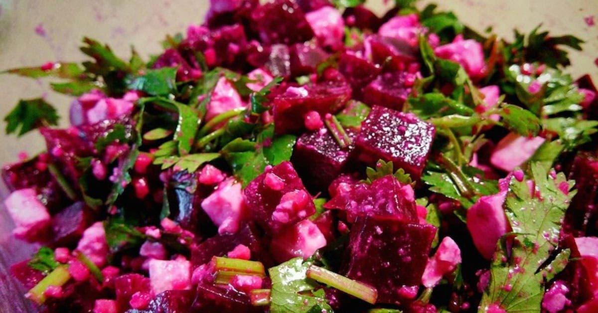 salade de betterave a la feta qui lutte contre linflammation detoxifie le foie traite lanemie et tellement delicieuse 1