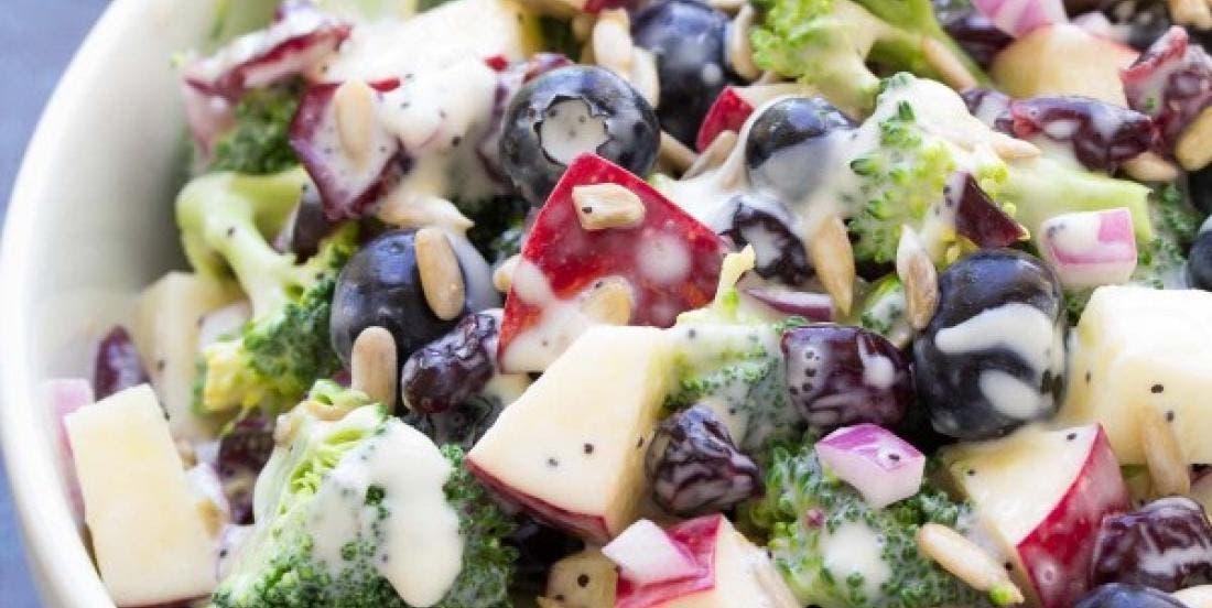 salade de brocolis et myrtilles