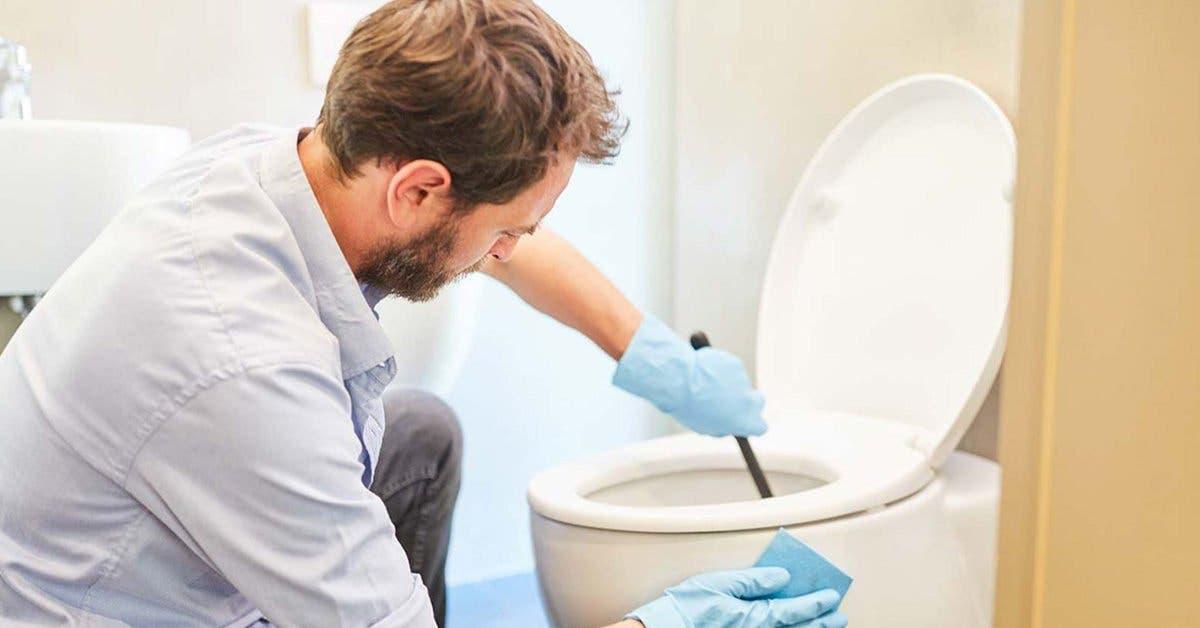 4 astuces magiques avec du vinaigre blanc pour avoir une salle de bain toute propre