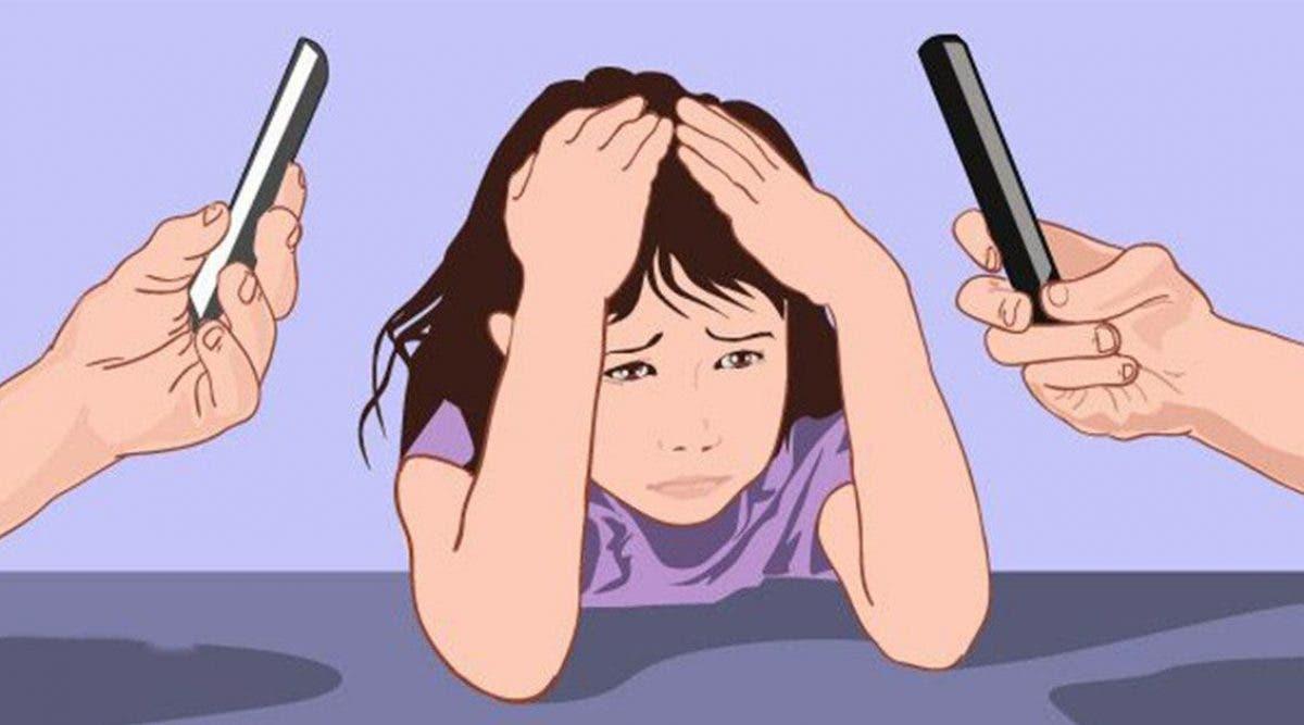 selon-les-scientifiques-les-parents-accros-a-leurs-telephones-portables-affectent-le-developpement-de-leurs-enfants