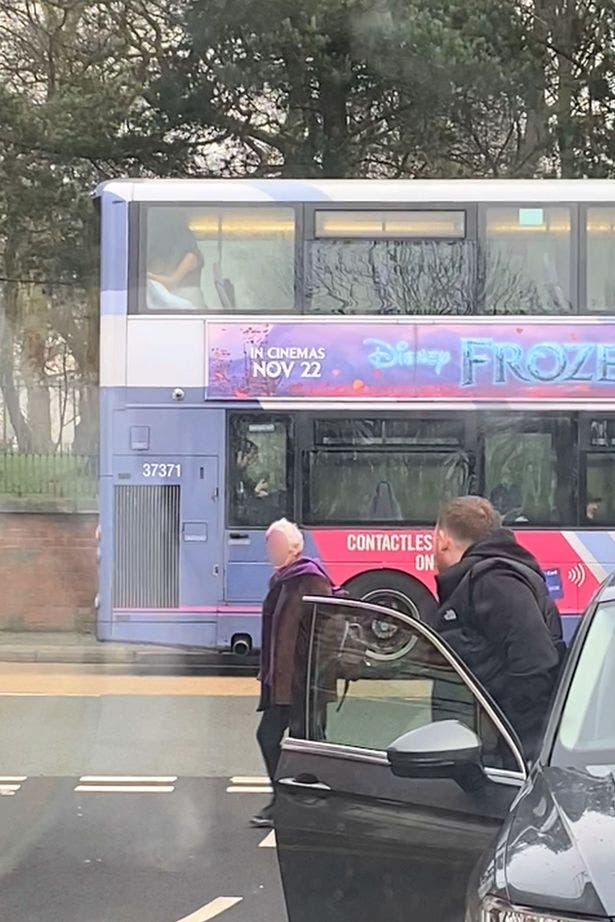 sexe dans le bus 1