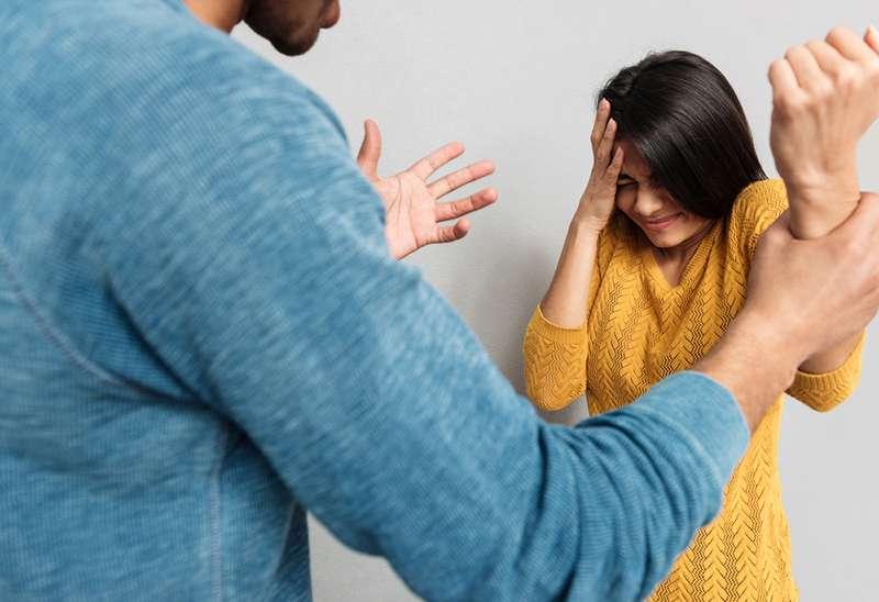 signes du zodiaque rendent leurs femmes tristes et malheureuses