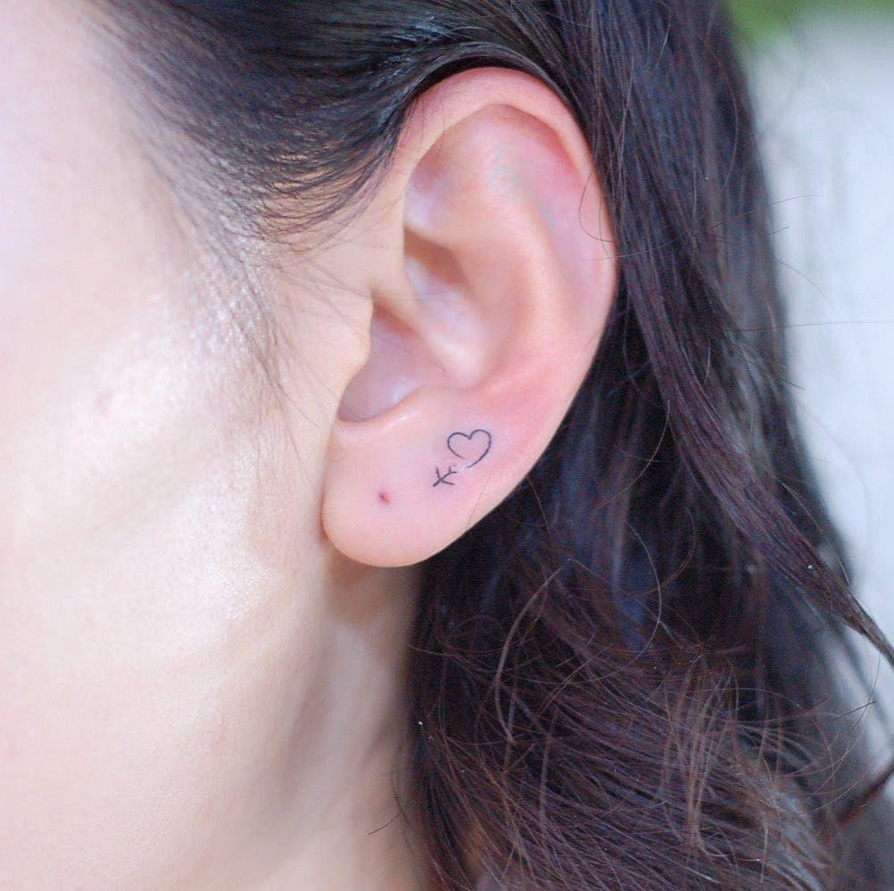 tatouage oreille22