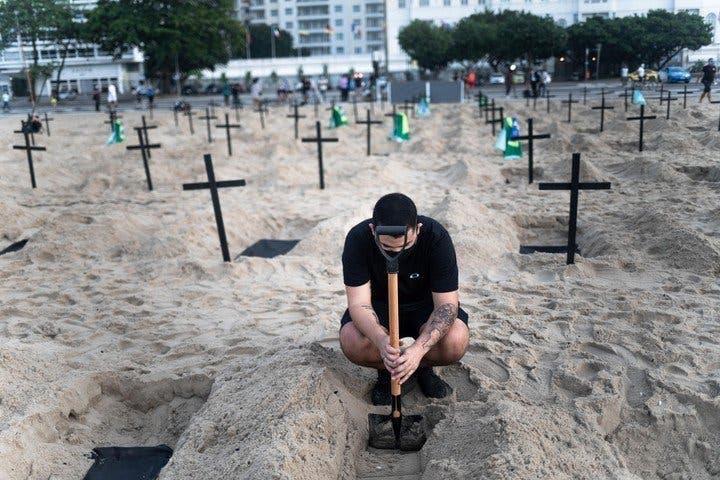 tombes plage cobacabana1