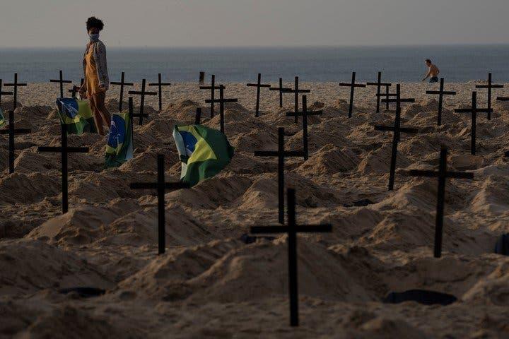 tombes plage cobacabana2