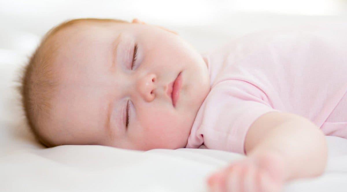 un-bebe-de-2-semaines-meurt-dans-un-accident-dans-la-rue-lors-de-sa-premiere-sortie-avec-ses-parents