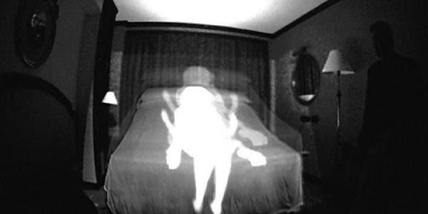 un-homme-qui-voulait-filmer-des-fantomes-dans-sa-maison-decouvre-que-sa-femme-couche-avec-son-garcon