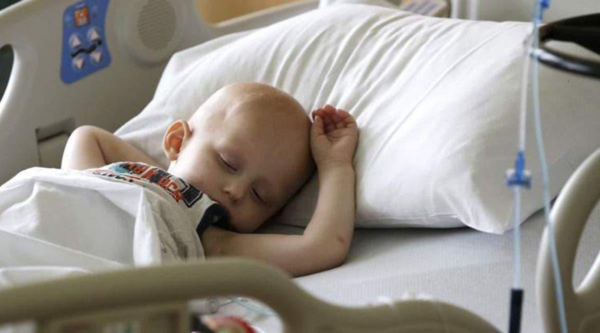 un-medecin-diagnostique-le-cancer-a-des-enfants-en-bonne-sante-juste-gagner-de-largent
