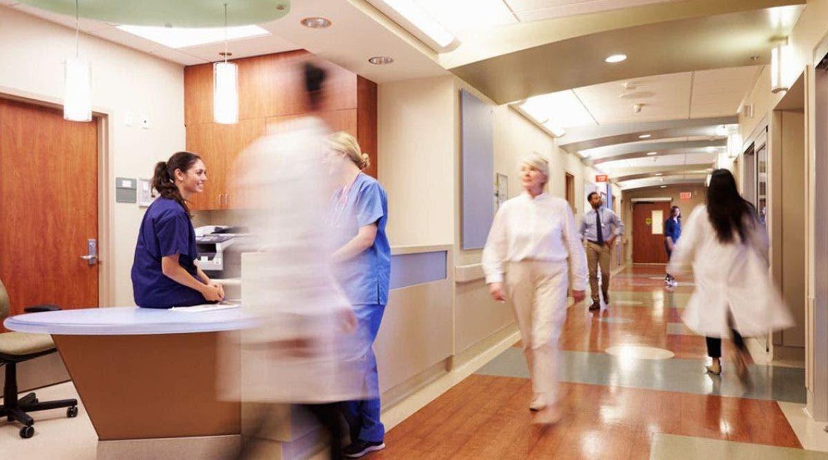 un-papa-cache-des-symptomes-de-coronavirus-pour-rendre-visite-a-sa-femme-dans-une-maternite