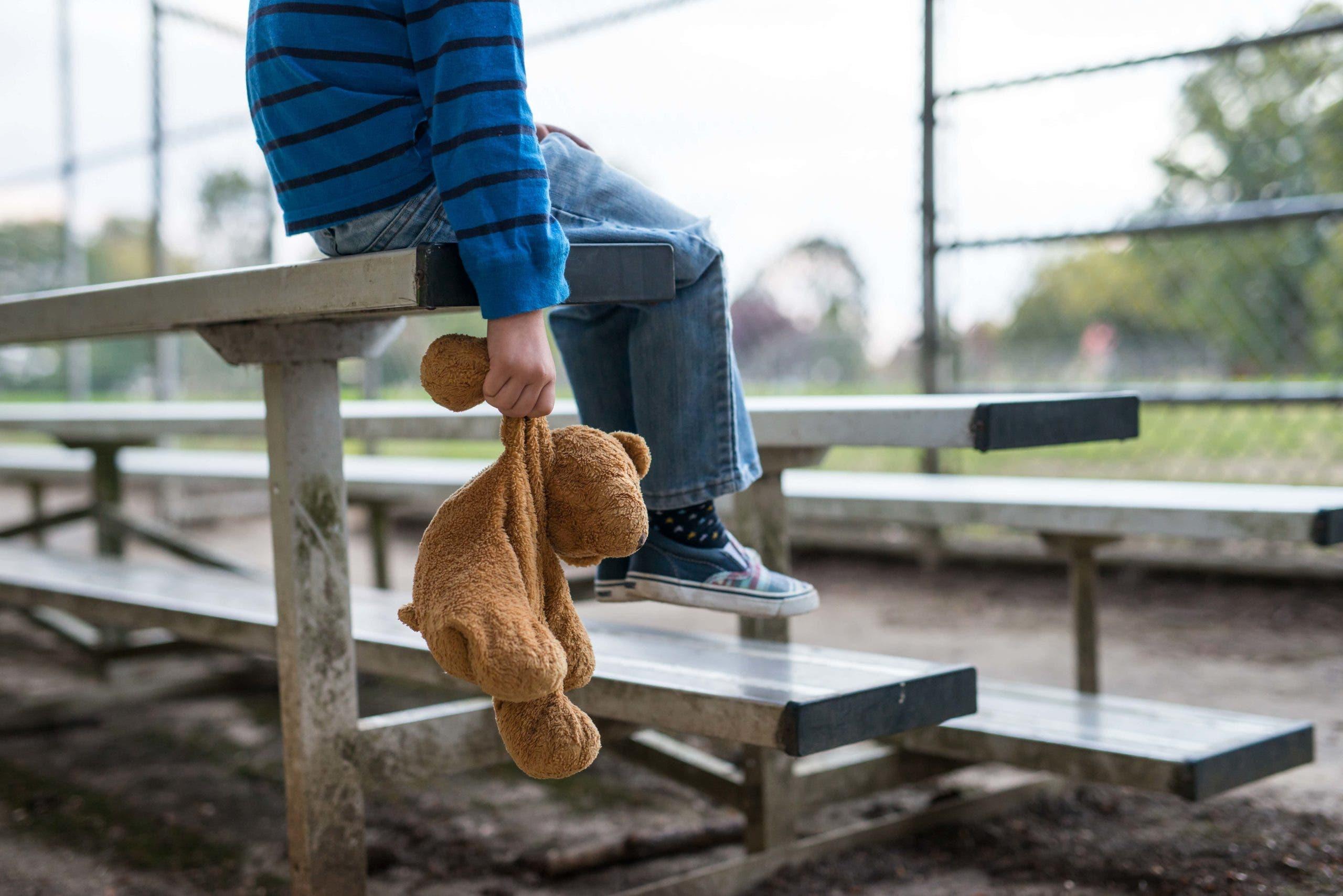 un père pédophile échappe à la prison