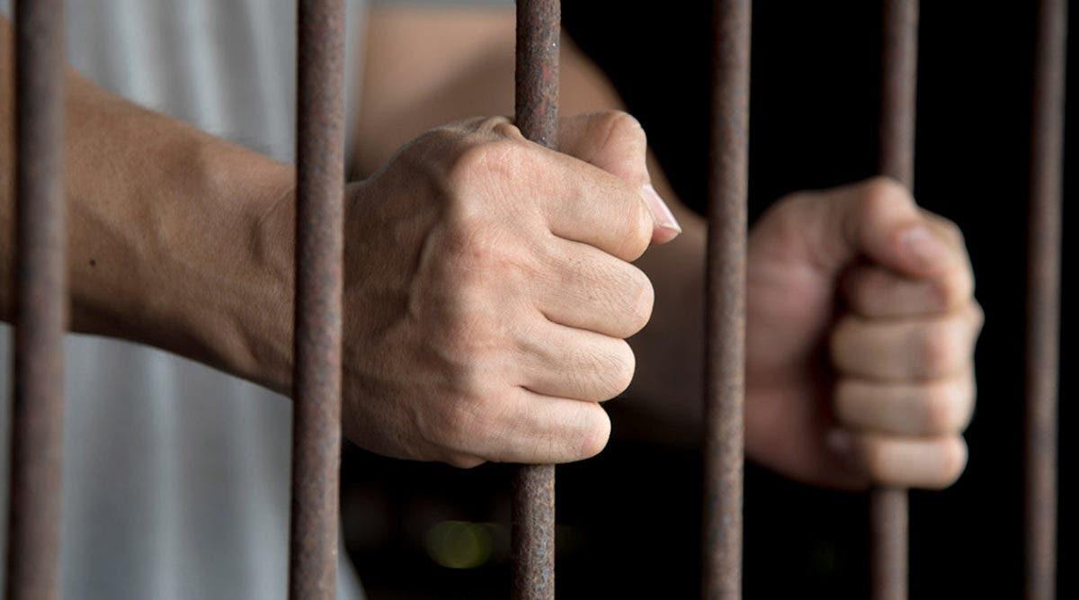 un-violeur-denfant-condamne-a-perpetuite-son-compagnon-de-cellule-est-le-grand-frere-de-sa-victime