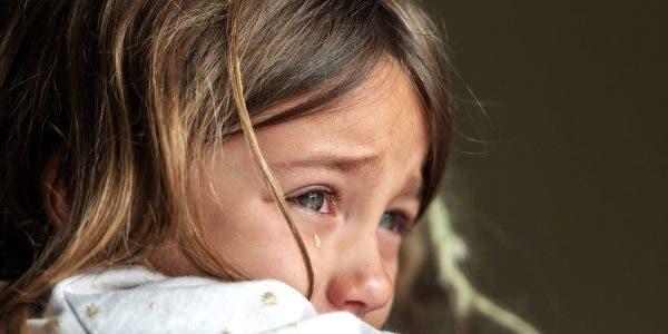 une-belle-mere-veut-que-son-fiance-se-debarrasse-de-sa-fille-de-4-ans-ou-labandonne-pour-adoption-car-elle-ressemble-a-sa-maman-morte