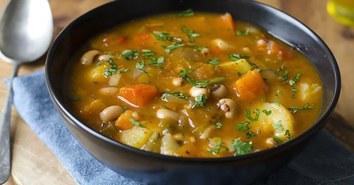 une delicieuse recette de soupe detoxifiante qui aide a perdre du poids 1