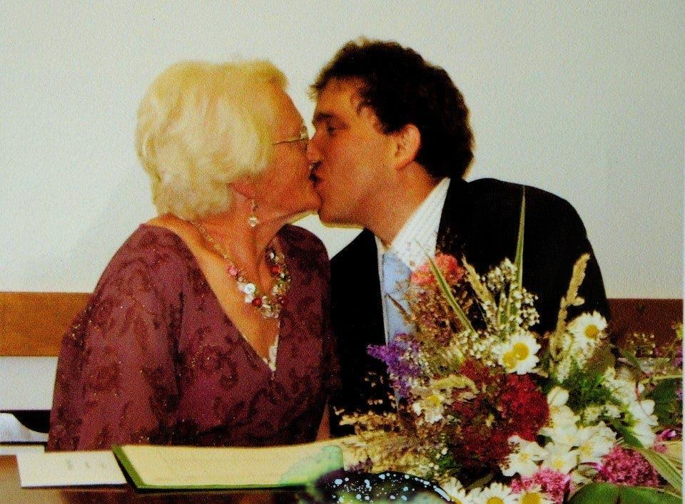 Une femme de 83 ans dit avoir une vie sexuelle heureuse