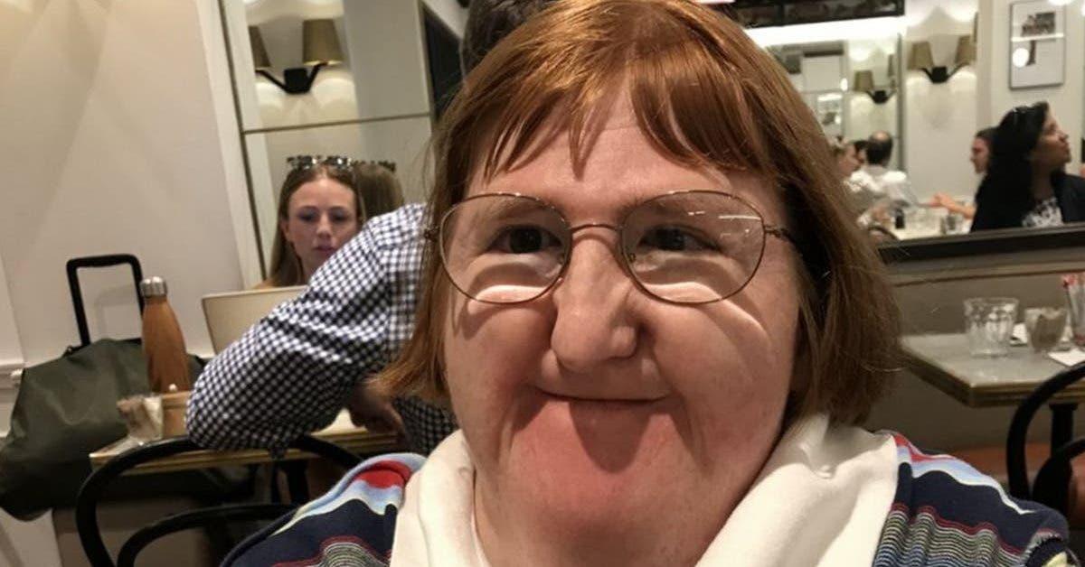 une-femme-handicapee-riposte-apres-avoir-ete-jugee-trop-moche-pour-poster-ses-photos-sur-les-reseaux-sociaux