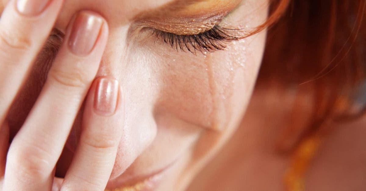 une femme tombe sur une lettre de son mari incroyablement bouleversante
