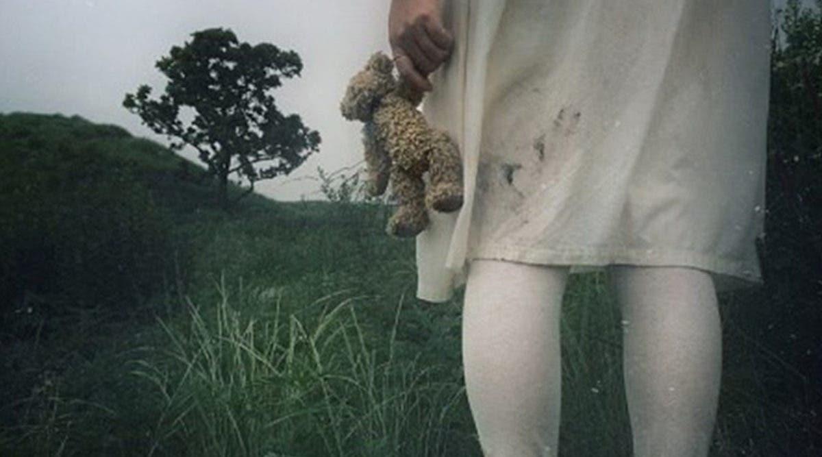 une-fillette-de-4-ans-se-fait-sauvagement-violer-par-une-bande-de-garcons-de-10-a-13-ans