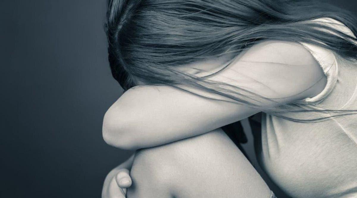 une-maman-sans-coeur-vend-ses-filles-a-un-pedophile-qui-les-viole-devant-elle