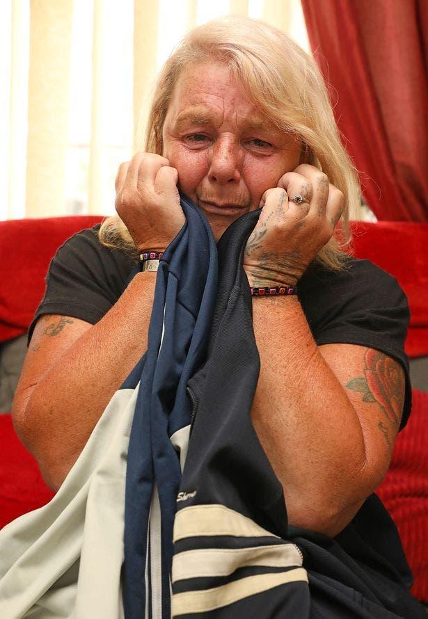 Une mère pleure le décès de son fils et se réveille le lendemain en apprenant le décès de son deuxième fils
